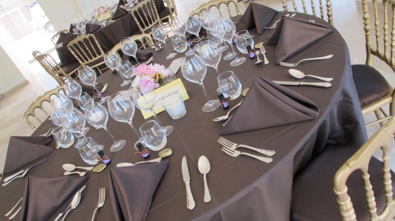 1205_dinner-table-cindy_1