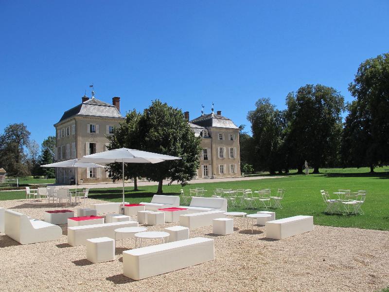 1208_frances-tim017_cocktail_orangery-terrace5_chateau