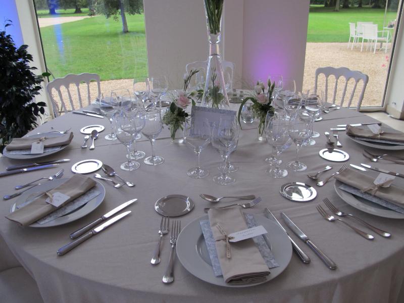 1208_frances-tim029_dinner-table2_ld