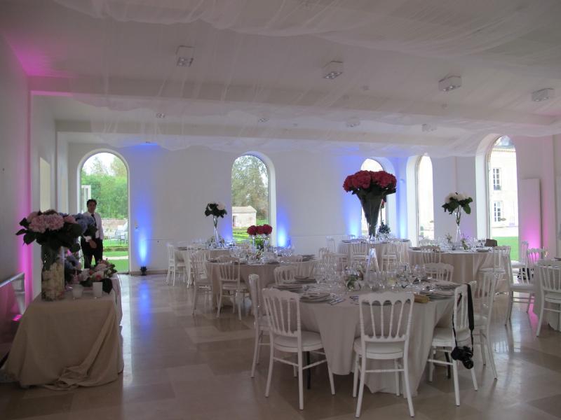 1208_frances-tim033_dinner-tables3_ld