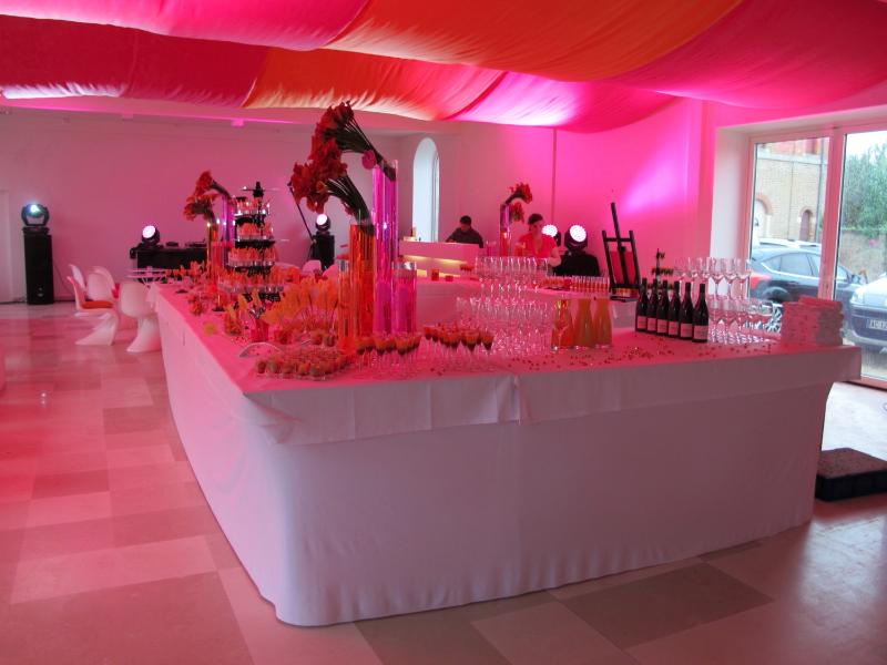 1207_myr-fri-001_orangery-pink-orange_ld
