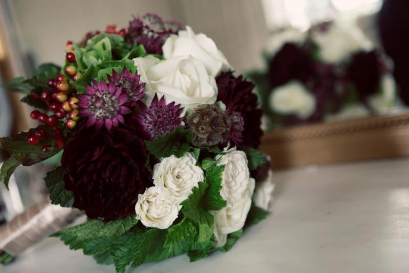 1207_myr_bride-bouquet_ld