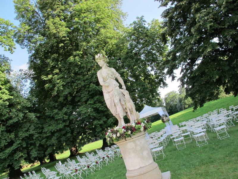 1207_myr_ceremony_diana-statue3_ld