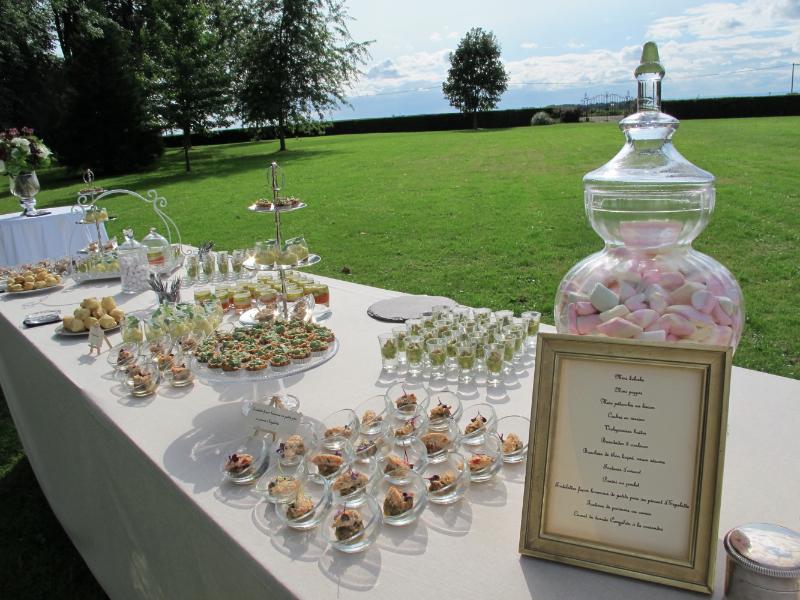 1207_myr_cocktail-buffet-candy_ld