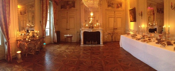 Spectacular french chateau 18th century historic lounge